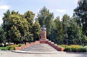 Памятник С.А. Ковпаку в Котельве.