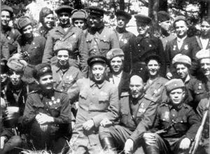 Группа командиров Сумского партизанского соединения