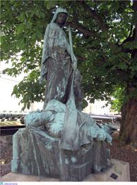 Скорбящая Мать-Швеция – монумент, установленный в Стокгольме в память катастрофы под Полтавой.