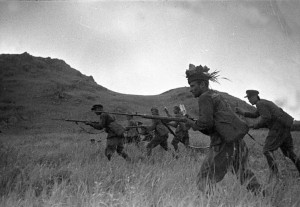 Battle_of_Lake_Khasan-Red_Army_soldiers_on_attack