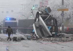 Trolleybus_torn_to_pieces_by_the_explosion_in_Volgograd.jpeg