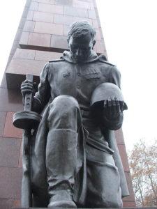 neizvestnyy_soldat_berlin